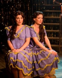 louise-dearman-daisy-hilton-and-laura-pitt-pulford-violet-hilton-in-side-show-photo-credit-pamela-raith-2